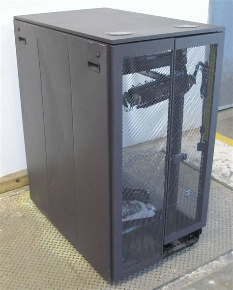 Dell 24u Rack by Dell 2410 24u Rack Mount Server Enclosure W 15 Quot Console