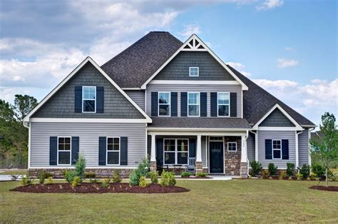 craftsman style house colors two tone siding with shake siding on the peaks dream