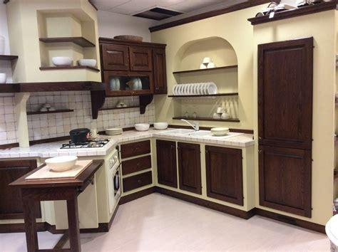 Impressionante Ante In Legno Per Cucina In Muratura #7: Cucina-finta-muratura_O2.jpg