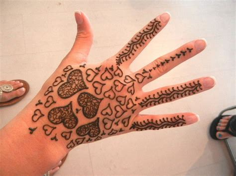 finger henna designs hearts 26 best images about henna designs on pinterest eid