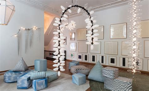lindsey adelman studio showcases  trio  lighting design