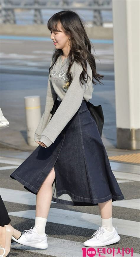 Sweatercwanita Korea Pop Sweater Grey velvet wendy s airport fashion the denim skirt kpop korean hair and style
