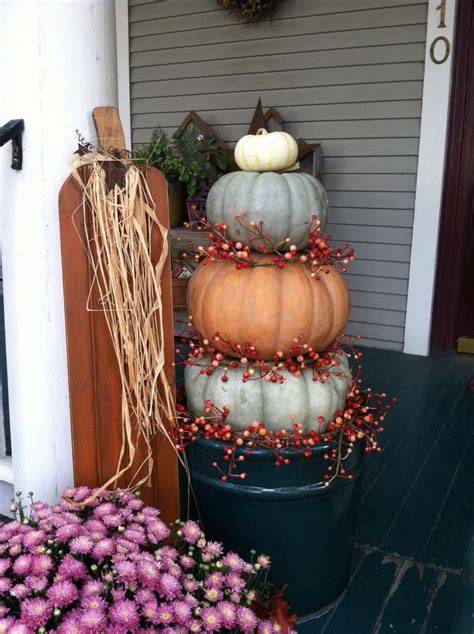 Pumpkin Tower Decoration by Pumpkin Tower On Front Porch Decorating Fall