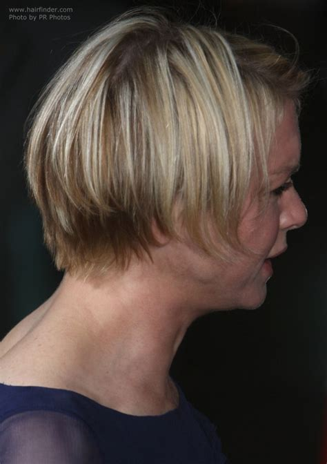 haircuts in bozeman next renee zellweger with her hair cut in a short bob with