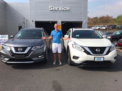 nissan murano third row 2017 nissan rogue with 3rd row vs 2017 nissan murano 2