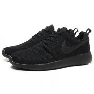 black nike shoes for nike shoes all black