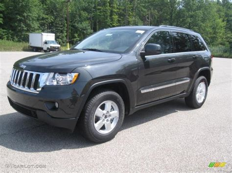 charcoal grey jeep grand cherokee 2011 dark charcoal pearl jeep grand cherokee laredo 4x4