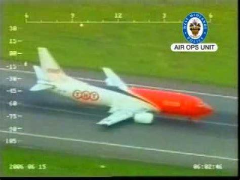aborted nottingham tnt 737 crash landing at birmingham uk youtube