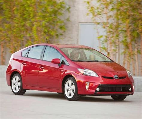 kelley blue book sees new vehicle sales topping 13 3 million units 2012 toyota prius kelley blue book kbbcom autos post