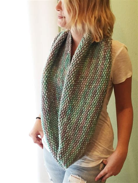 knitting patterns scarf pinterest seed stitch infinity scarf free pattern knitting