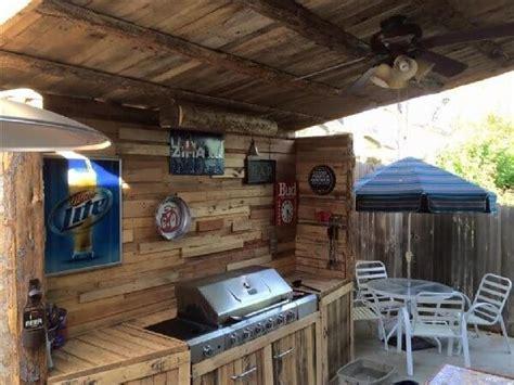 Outdoor Wooden Pallet Kitchen Ideas   Pallets Designs