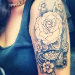 24 best feminine sleeve tattoos