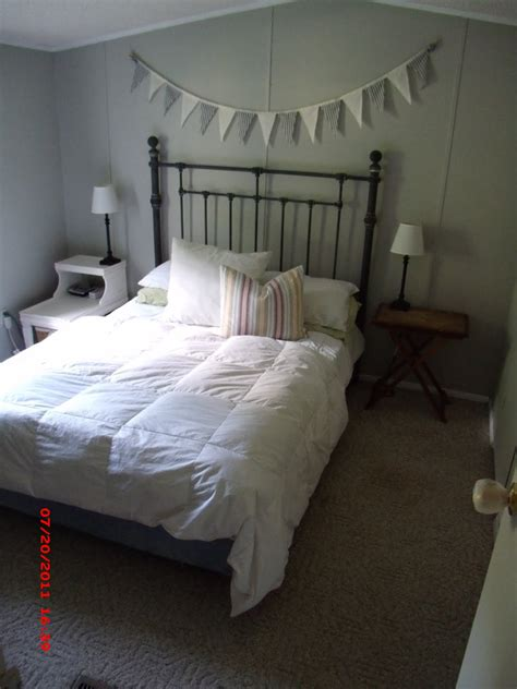 mobile home small bedroom ideas choosing furniture for small mobile momma hen s beautiful single wide makeover