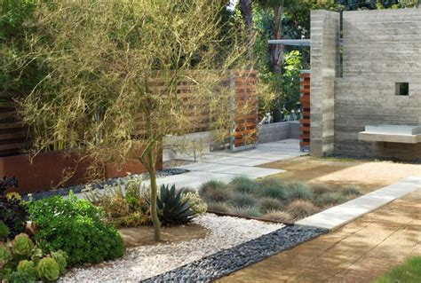 drought tolerant backyard designs modern drought tolerant landscape backyard inspiration