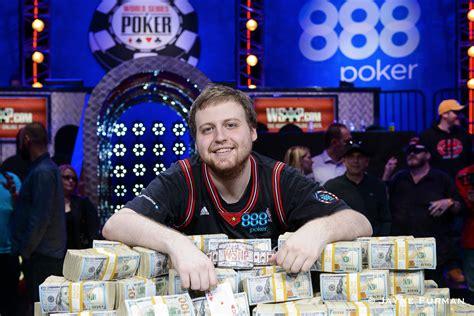 joe mckeehen wins  world series  poker main event   million pokernews