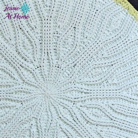 free knitted rug patterns 42 best images about centri ai ferri on lace
