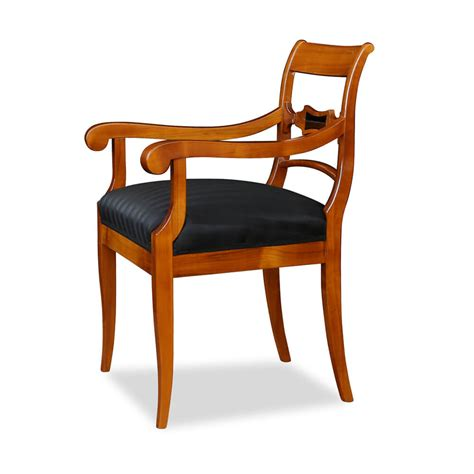 robuster stuhl mit armlehne kirschbaum stilwohnen de - Stuhl Sessel Mit Armlehne