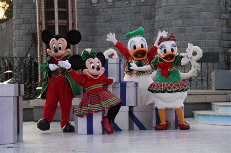 review christmas 2017 at disneyland paris travel to the