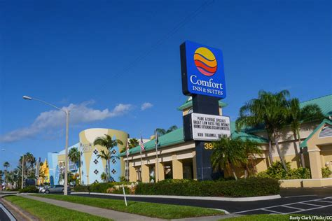 comfort inn and suites cocoa beach places to stay in cocoa beach fl
