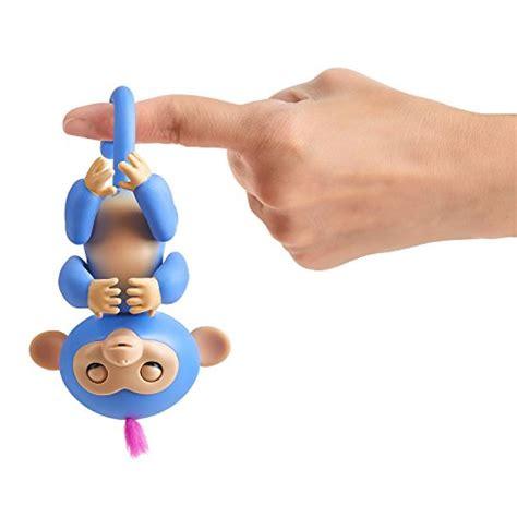 Mainan Interaktif Fingerlings Monkey Smart Blue fingerlings playset monkey bar playground liv the baby import it all