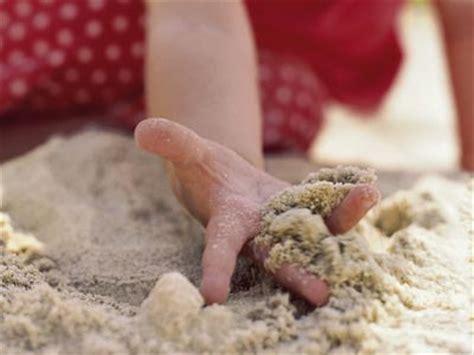 imagenes niños jugando con arena juegos con arena para ni 241 os de uno o dos a 241 os