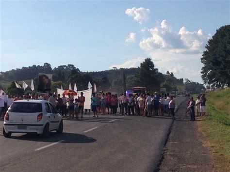 g1 grupo protesta ap 243 s morte de jovem em colis 227 o entre
