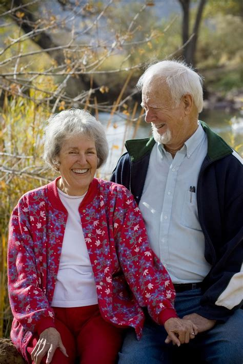 Memorable 50th Wedding Anniversary Gifts for Parents