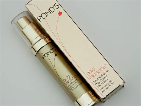 Serum Gold Radiance pond s gold radiance youthful glow day review swatches