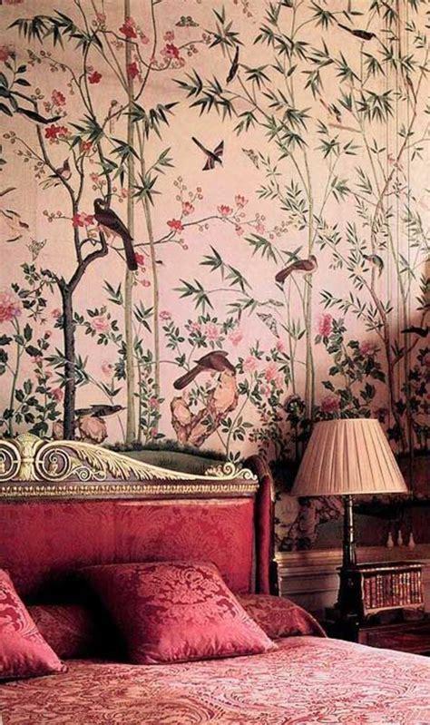 schräge wände tapezieren wohnzimmer farblich gestalten braun