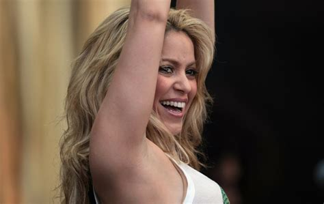 Shakira Cardy glastonbury festival 2010 photos the big picture