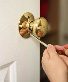 how to replace door knobs and deadbolts pretty handy