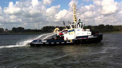 sleepboot ijmuiden iskes tugboat brent ijmuiden youtube