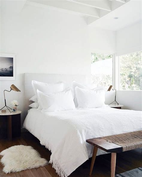 Bedrooms With White Bedding by Best 20 White Bedding Ideas On Fluffy White