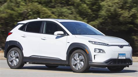 Hyundai Kona Ev 2020 by 2019 Hyundai Kona Ev Electric Car Review Consumer Reports