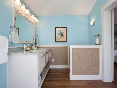Wainscot Bathroom Pictures by How To Create Burlap Wainscoting How Tos Diy