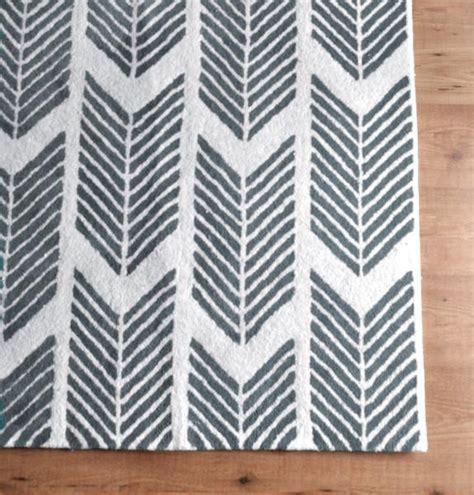 arrow rug grey arrows rug