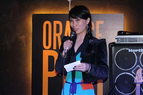 Silverqueen Chunky Bar Orange Peel the hecklers rock on at orange peel hkeld
