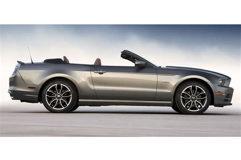 Mustang La Auto Show by Refreshed 2013 Ford Mustang Unveiled Ahead Of La Auto Show
