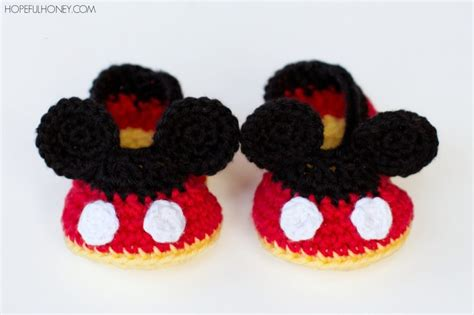 Set Baby Minnie Sunflower free pattern mickey mouse inspired newborn crochet booties