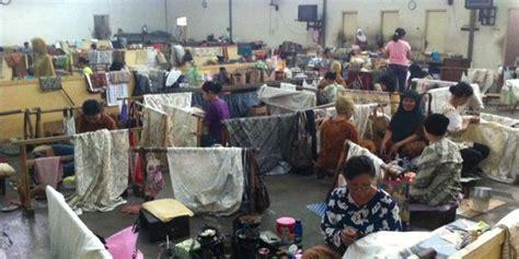 Outlet Batik Danar Hadi Tangerang mengintip pembuatan batik tulis danar hadi di merdeka