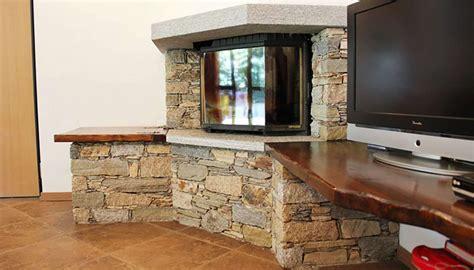 rivestimento camino pietra rivestimenti interni in pietra realizzazioni