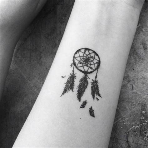 small dream catcher tattoos best 25 small dreamcatcher ideas on