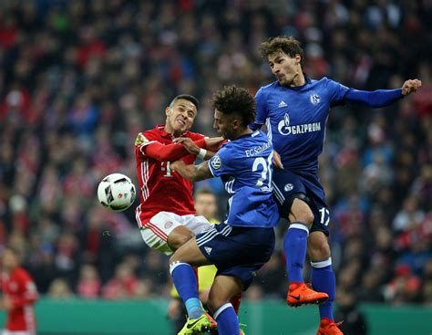 Bayern Munchen 04 fc bayern m 252 nchen gegen fc schalke 04 dfb pokal im live