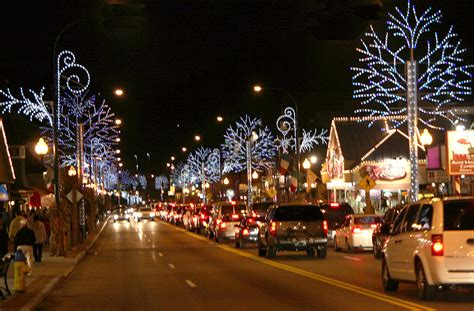 christmas lights in tennessee explore gatlinburg s winter wonderland this holiday season