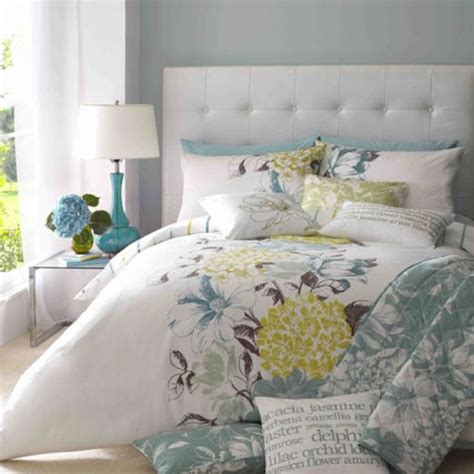 blue gray yellow bedroom yellow grey blue bedding annabelle s room ideas