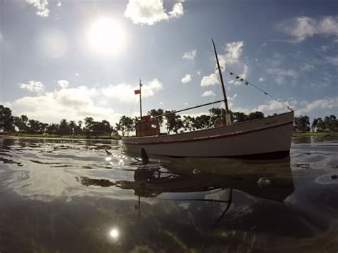 model boats san diego shark attacks rc boats at san diego model boat pond youtube