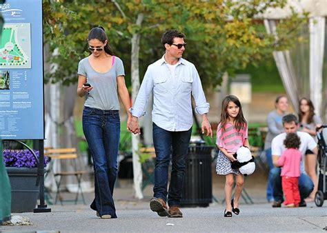 tom cruise and suri 2016 tom cruise never sees or calls daughter suri evoke ie