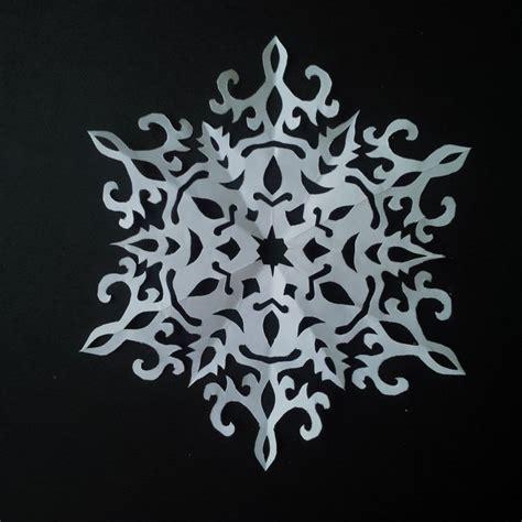 snowflake pattern to sew how to make paper snowflake 5 beautiful snowflake
