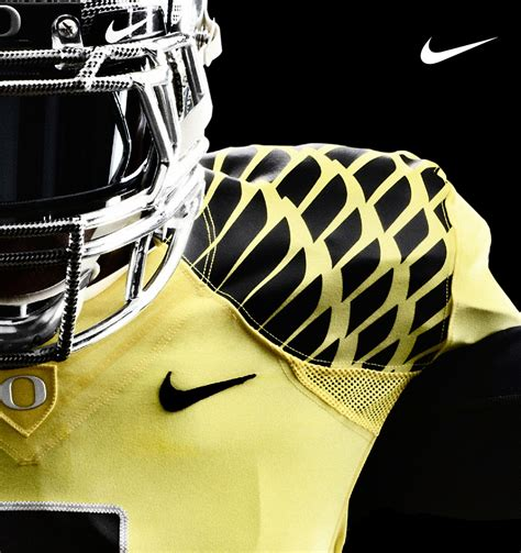 Tshirtkaaos Nike Ducks Football nike unveils integrated football system for the oregon ducks sole collector