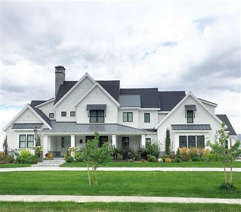 farm home plans best 25 farmhouse exterior colors ideas on pinterest